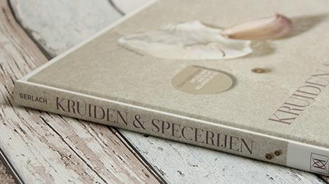 Het boek Kruiden en Specerijen van Hans Gerlach. Een naslagwerk en inspiratieboek.