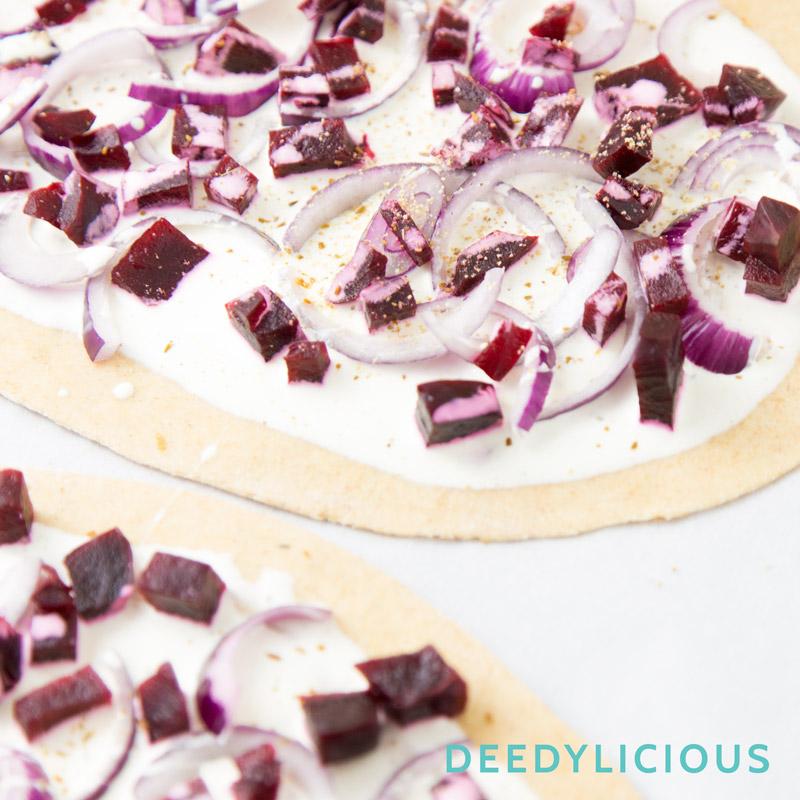 Flammkuchen met bietjes en rode ui | www.deedylicious.nl