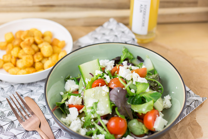 Frisse salade met mangodressing en aardappeltjes | www.deedylicious.nl