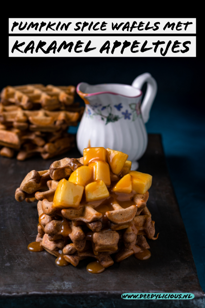 Pumpkin Spice wafels met karamel appeltjes - Pinterest | www.deedylicious.nl